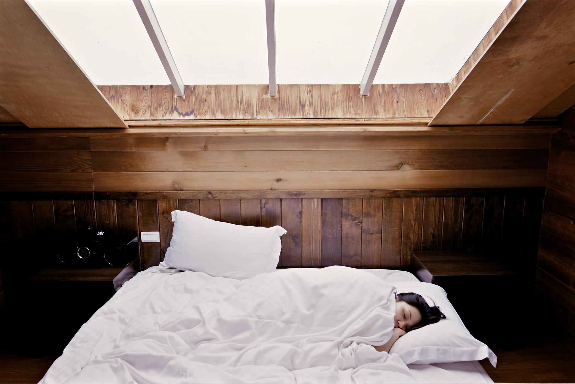 Como emagrecer dormindo - 10 alimentos que ajudam a dormir bem